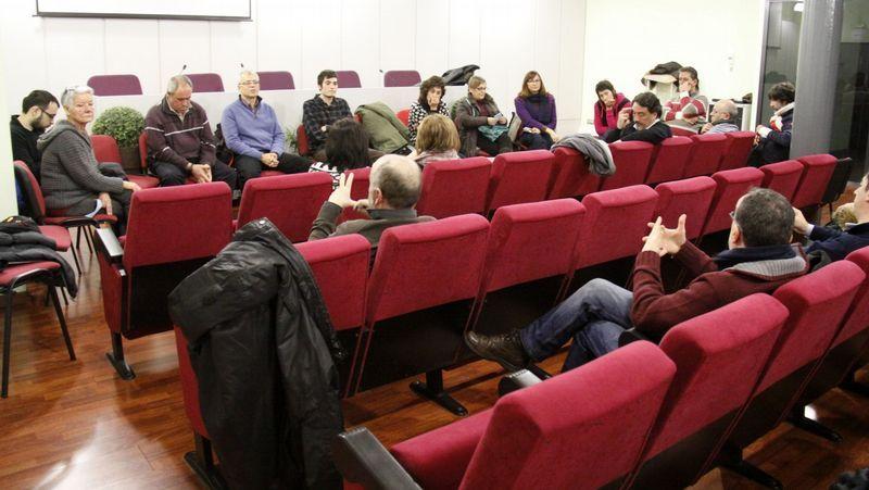 Anoche se celebró la primera convocatoria de cara a hacer una candidatura ciudadana en O Barco