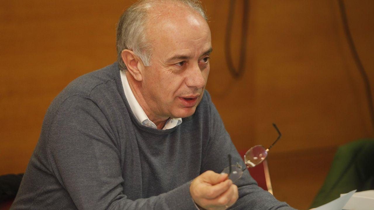 En la imagen, Antonio García-Lastra, director de la obra y coautor del proyecto de rehabiltación junto a Victoria Alonso y Pedro Garat