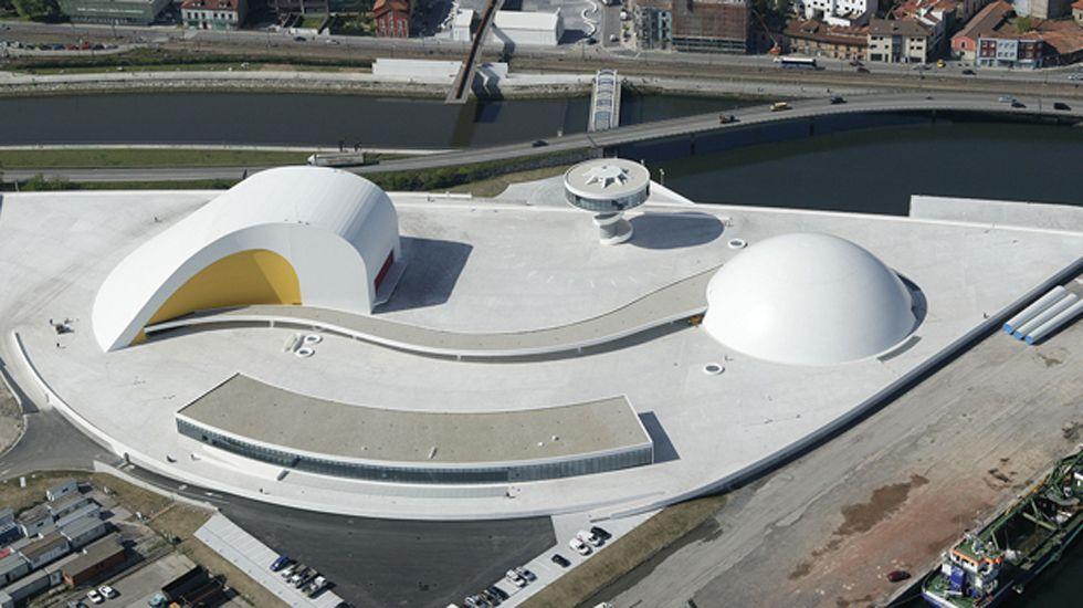Centro Niemeyer.Centro Cultural Niemeyer de Avilés