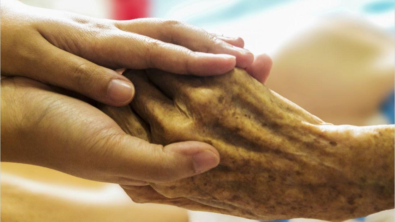 Eutanasia mano hospital manos vejez.