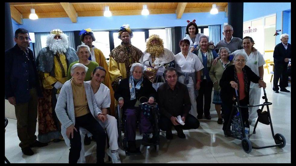 Los Reyes Magos en la residencia de Sober