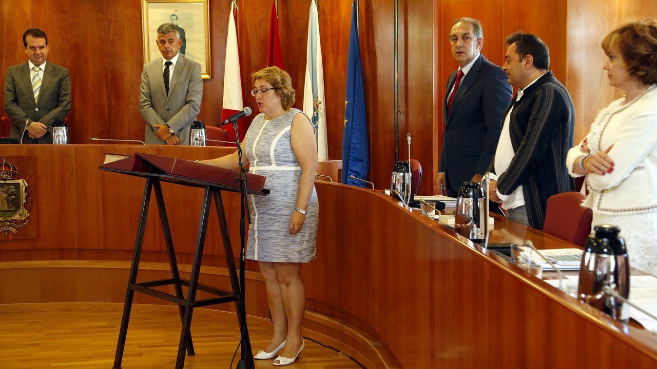 8M en Vigo.Olga Alonso, en su toma de posesión como concejala