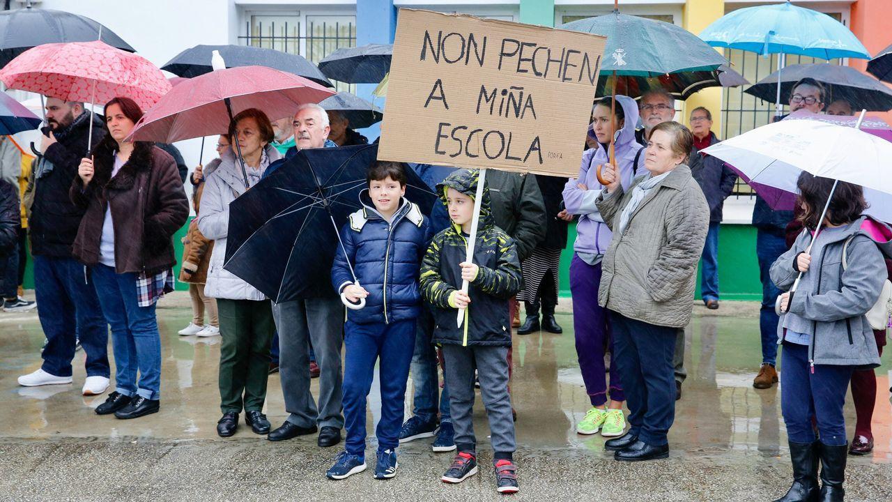 Carnoedo pide que la Xunta revoque el cierre de la escuela unitaria.Así es la nueva 'Caracola' en Punta Herminia