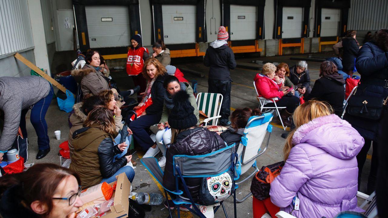 Tres heridas en Marín tras un forcejeo con la policía