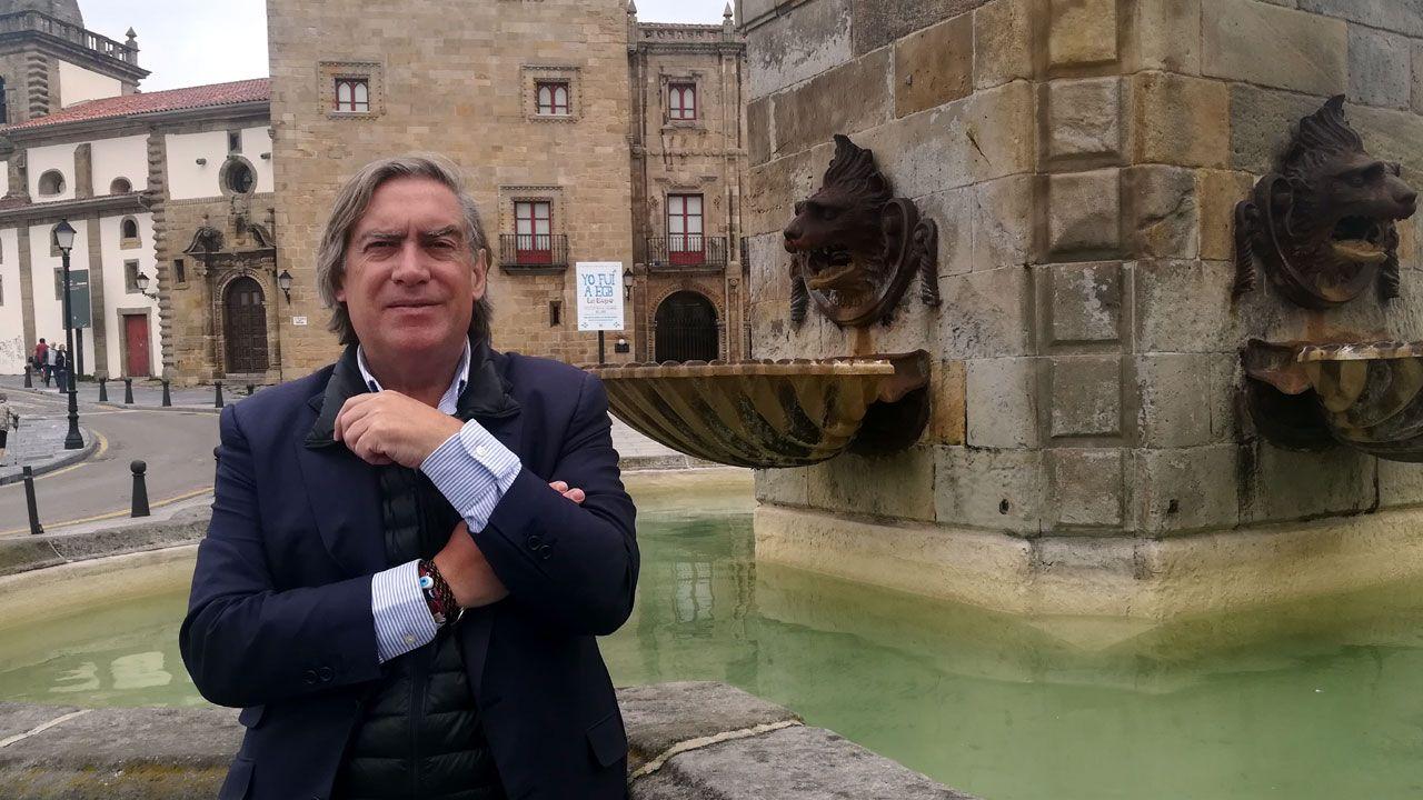 El consejero de Presidencia, Guillermo Martínez, comparece en la Junta General del Principado.Alberto López-Asenjo