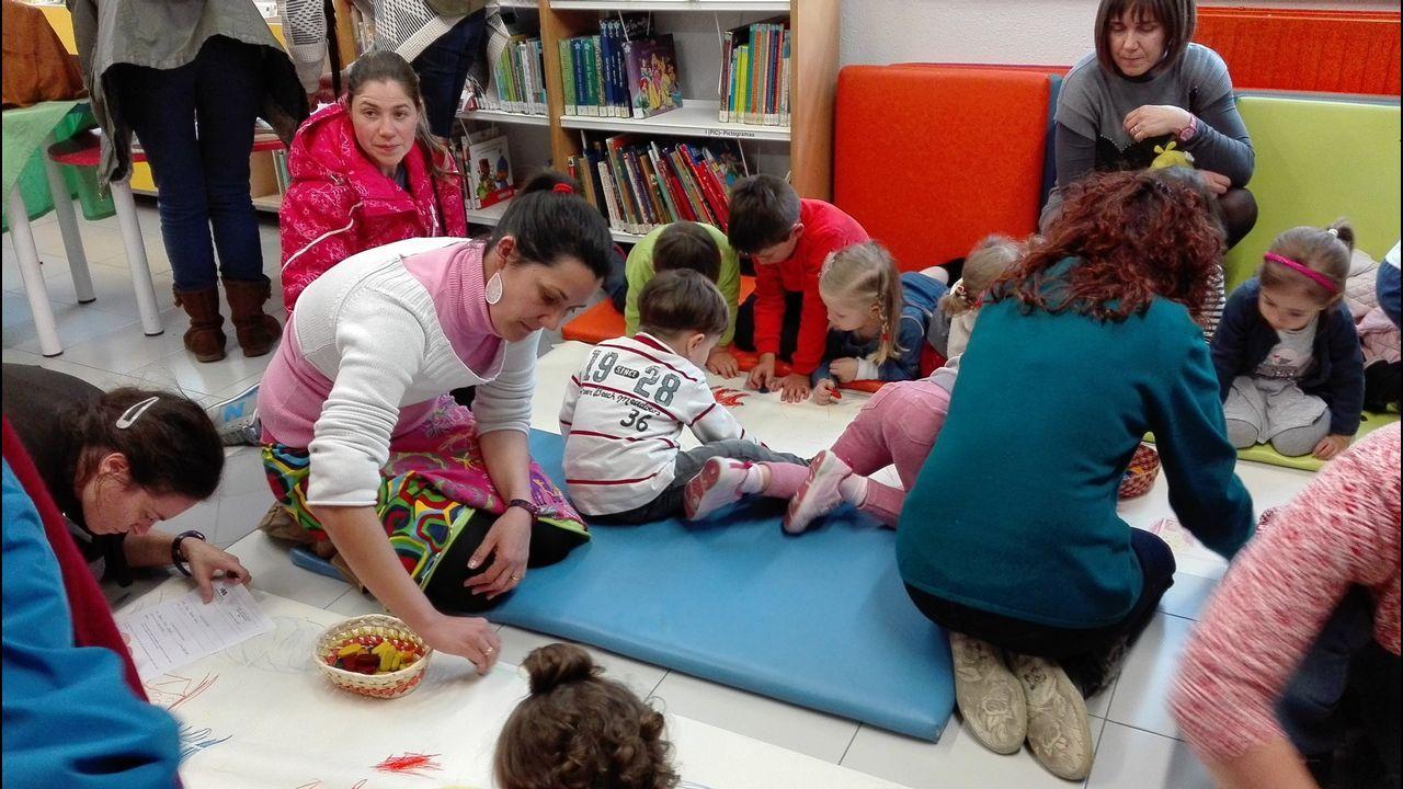 Imagen de archivo de una sesión de animación a la lectura en la biblioteca municipal de Lugo