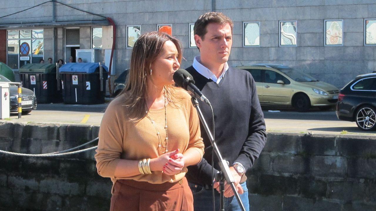 El presidente de Ciudadanos, Albert Rivera, y la candidata al Congreso por PontevedraBeatriz Pino, en una visita a Galicia que el líder liberal hizo en marzo