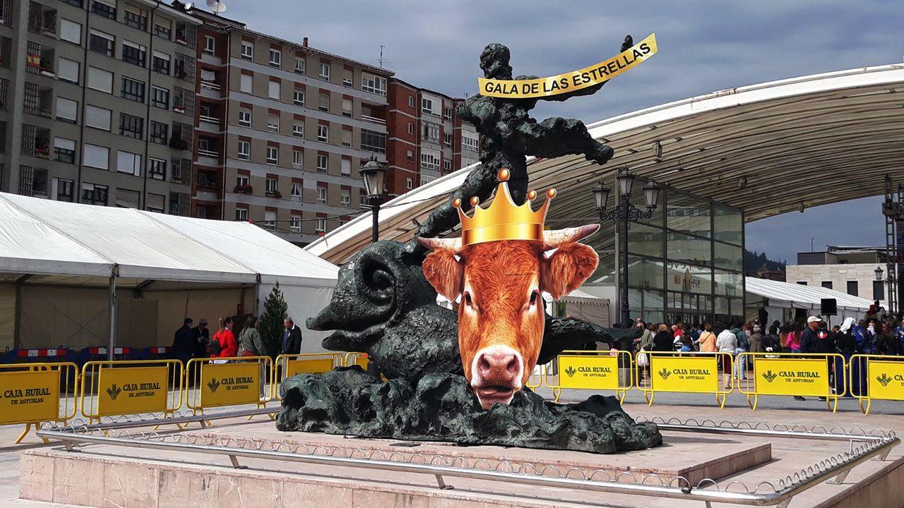 Monedero a Sáenz de Santamaría: «Me alegro de que os vayáis».Jordi Puigneró