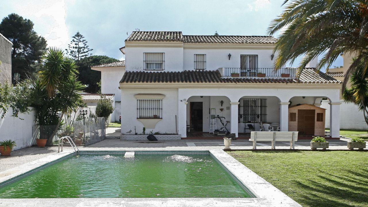 La otra vida de Miñanco en Marbella y Algeciras.Lancha neumática semirrígida que ha arrollado a una barca de recreo