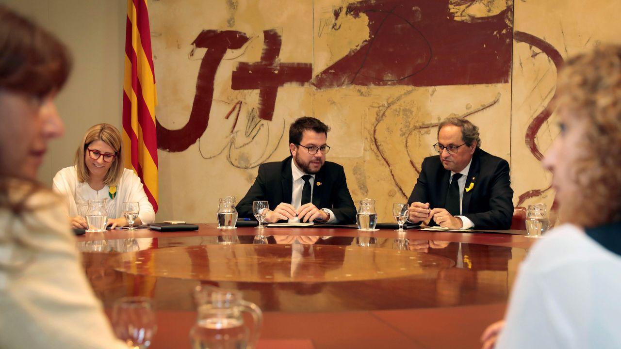 .Reunión extraordinaria del gobierno de la Generalitat. El presidente, Quim Torra, acompañado de Elsa Artadi y Pere Aragones, entre otros.