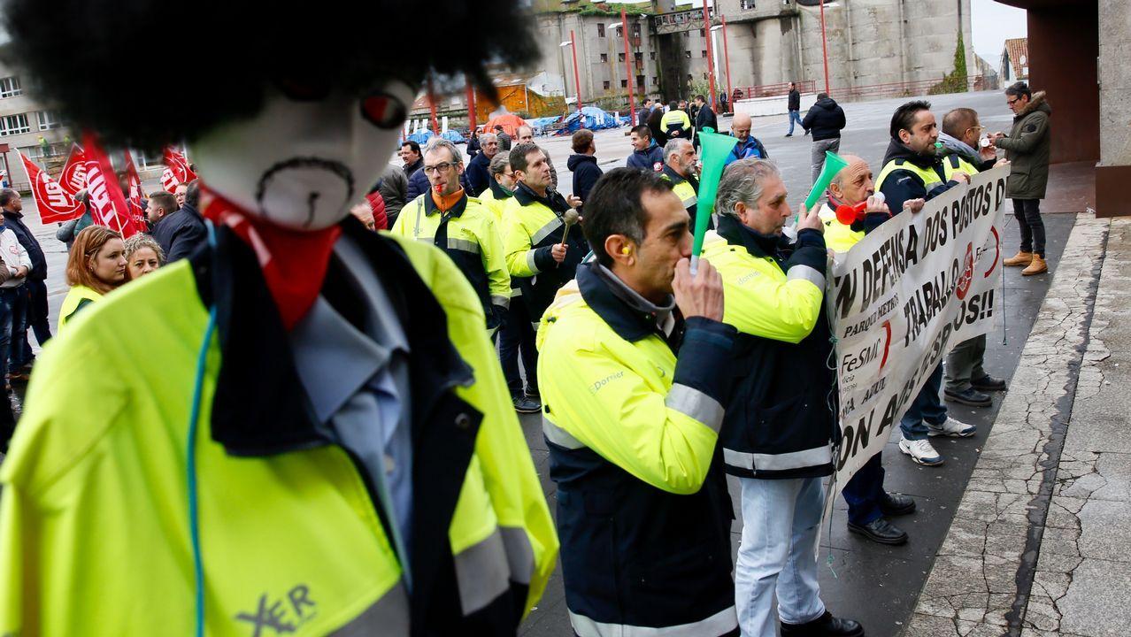 San Amaro abre la temporada de romerías de Vigo.Anxo, el primer niño que nació en el 2019 en Galicia