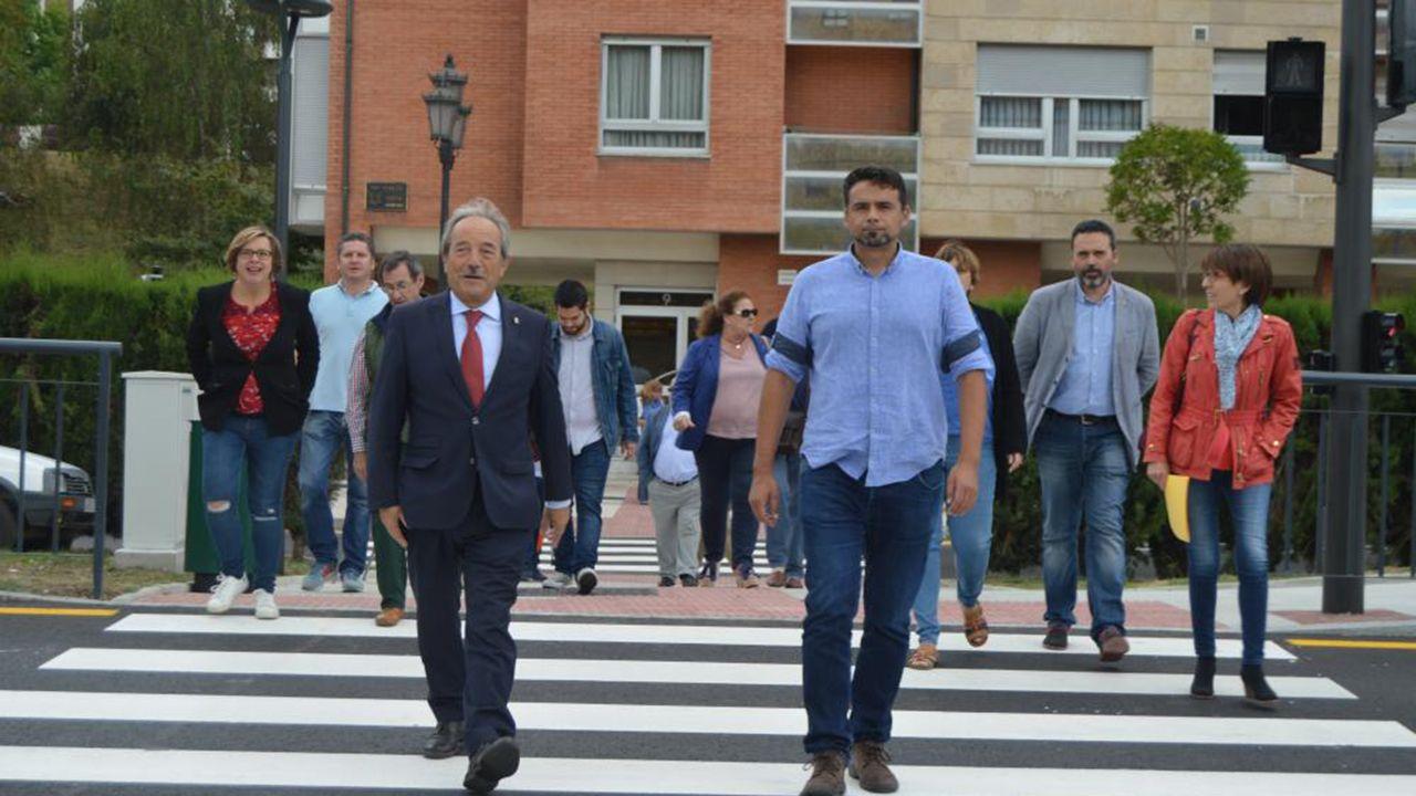 Oviedo impulsa el reciclaje.Wenceslao López e Iván Álvarez visitan las obras en la calle Goya