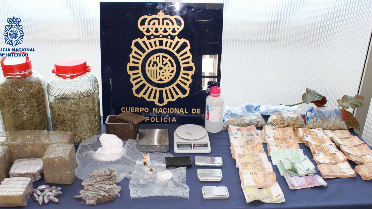 Ocho detenidos por traficar con drogas en un prostíbulo de As Conchiñas