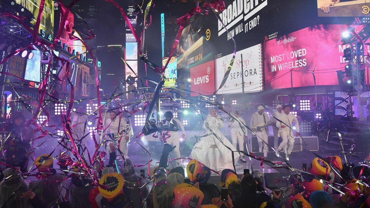 La promo de los Goya 2019: «Ríete en paz» con Silvia Abril y Andreu Buenafuente.Fin de Año en Times Square