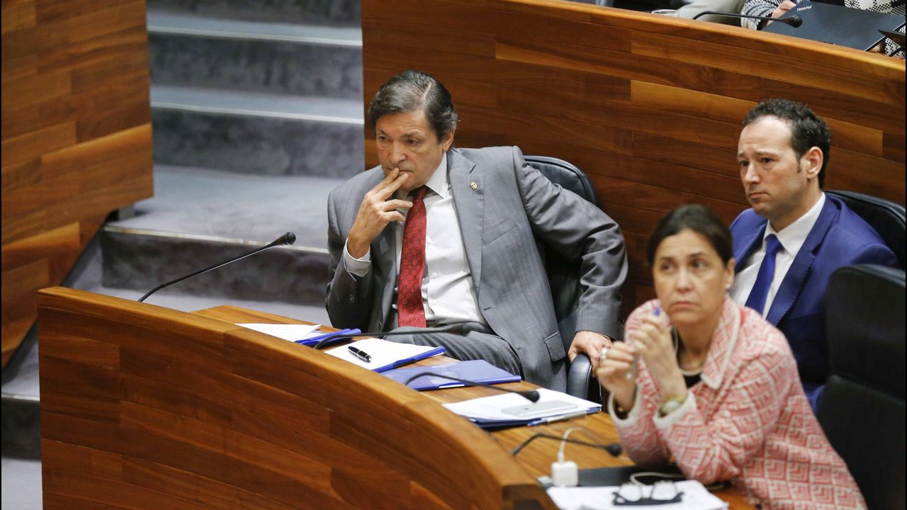 Javier Fernández, Dolores Carcedo y Guillermo Martínez