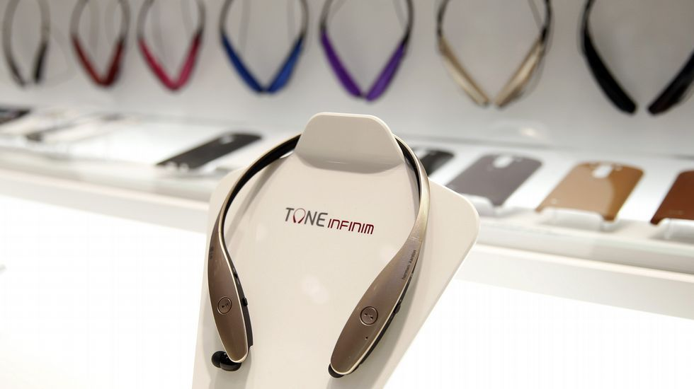 .Auriculares Tone Infinim, de LG.