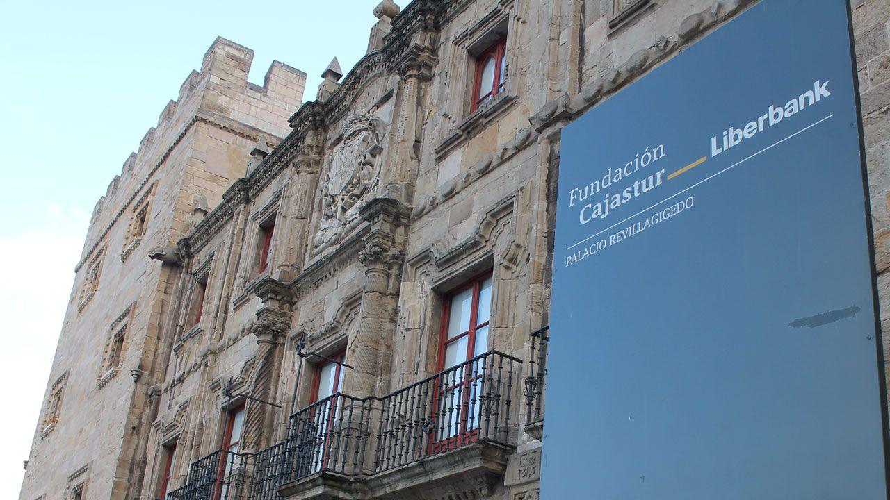El legado de Alejandro Mieres en los fondos municipales gijoneses.Fachada del Palacio de Revillagigedo