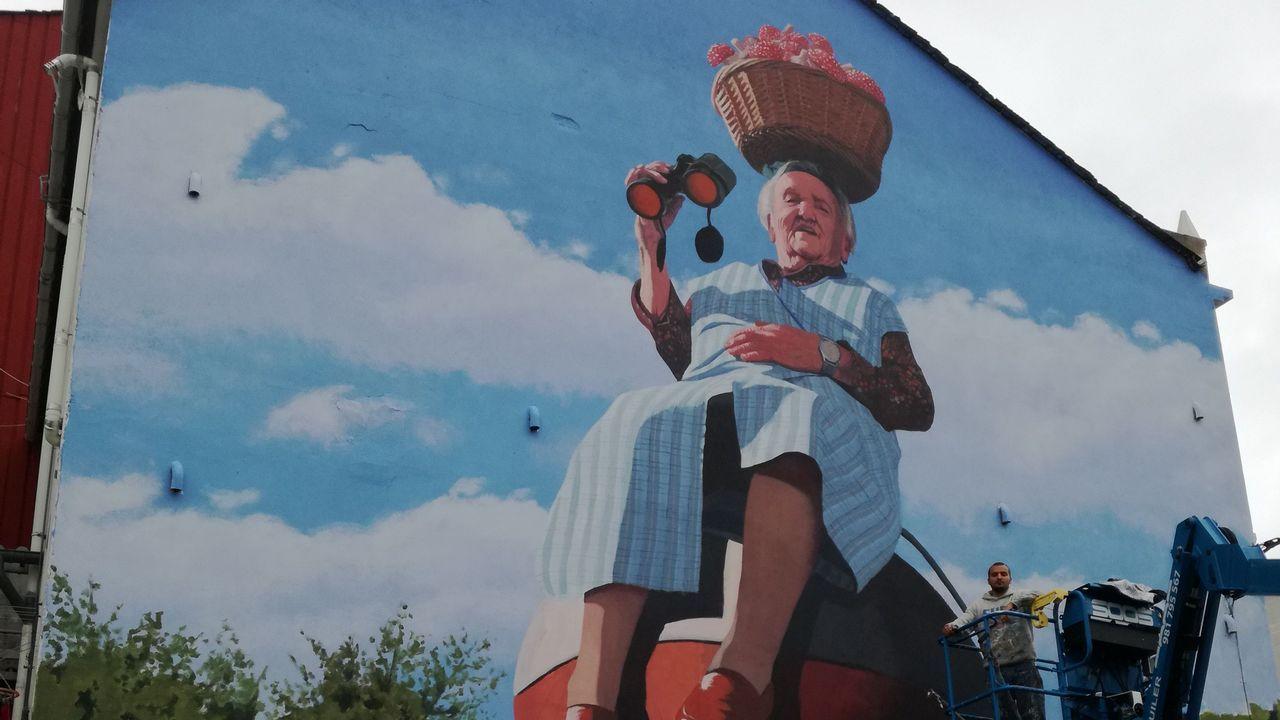 As Pontes se llena de murales con la iniciativa municipal EnPezas.Rosalie Blum