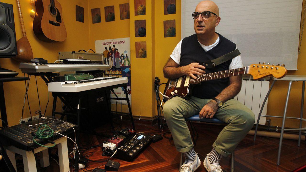 Alfred olvida a Amaia centrándose en «1016», su primer disco.Víctor Lenore, autor de «Espectros de la Movida»