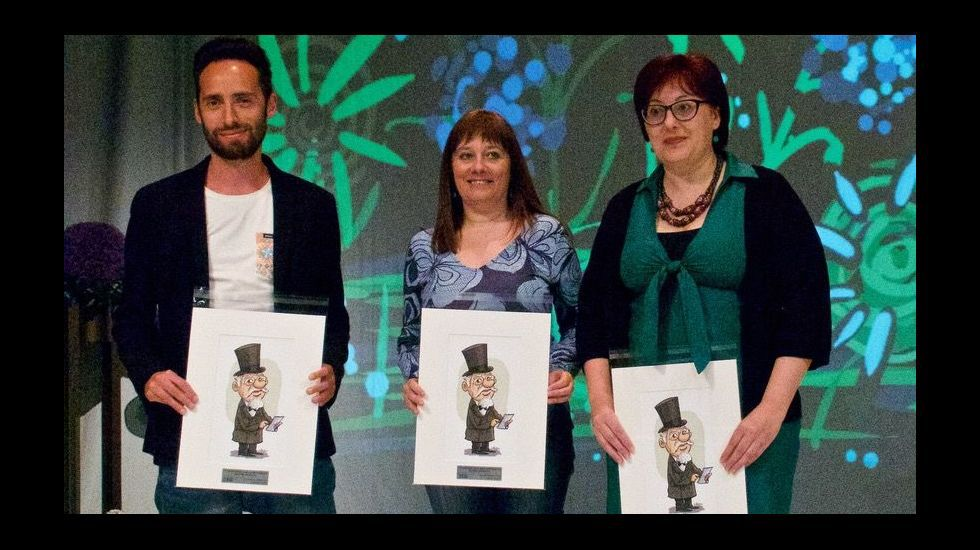 .tiago Alves, Charo Pita e Mercedes Leobalde, no acto de entrega dos premios