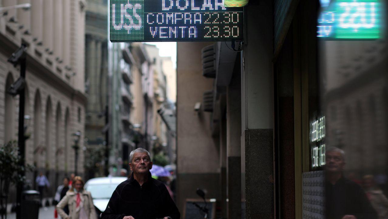 La directora del FMI a un ministro argentino: «Estás corto de mujeres».Macri anunció en una comparecencia televisiva el inicio de las negociaciones con el FMI este martes