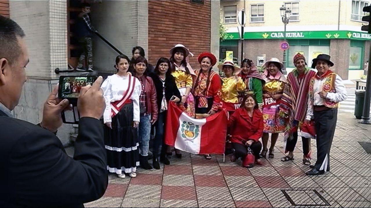 Latinoamericanos celebran el Día de la Hispanidad en Oviedo