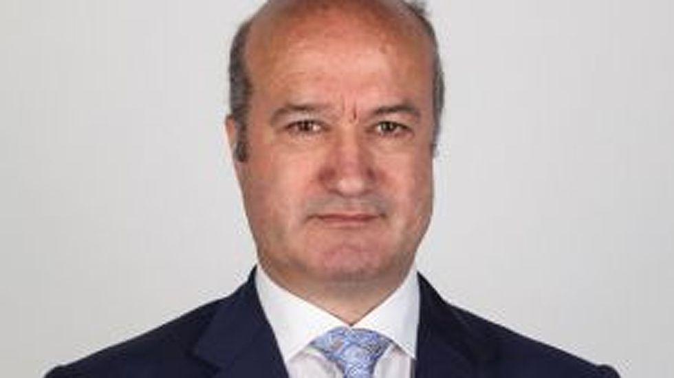 Emilio León.Luis Venta