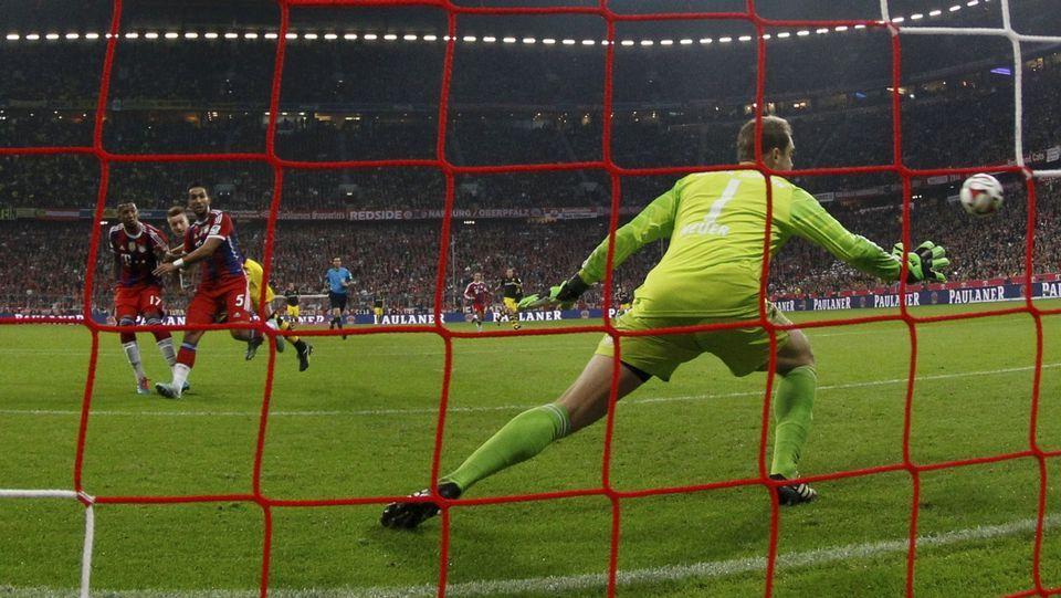 Odegaard entrena con el Real Madrid