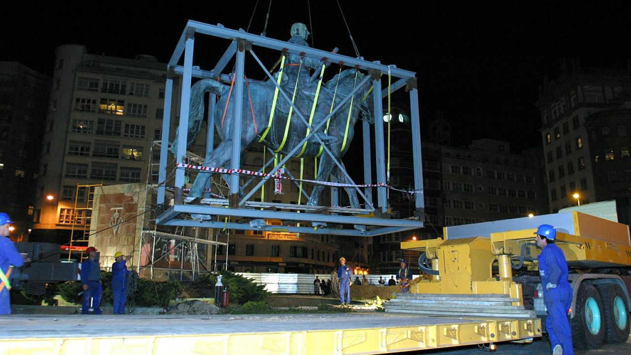 Traslado de la estatua de Franco
