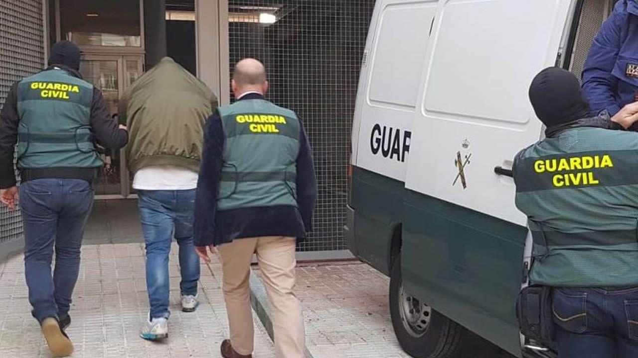 Agresión en Sanxenxo: «Nos gritó 'Putas, oléis a regla que apesta'»