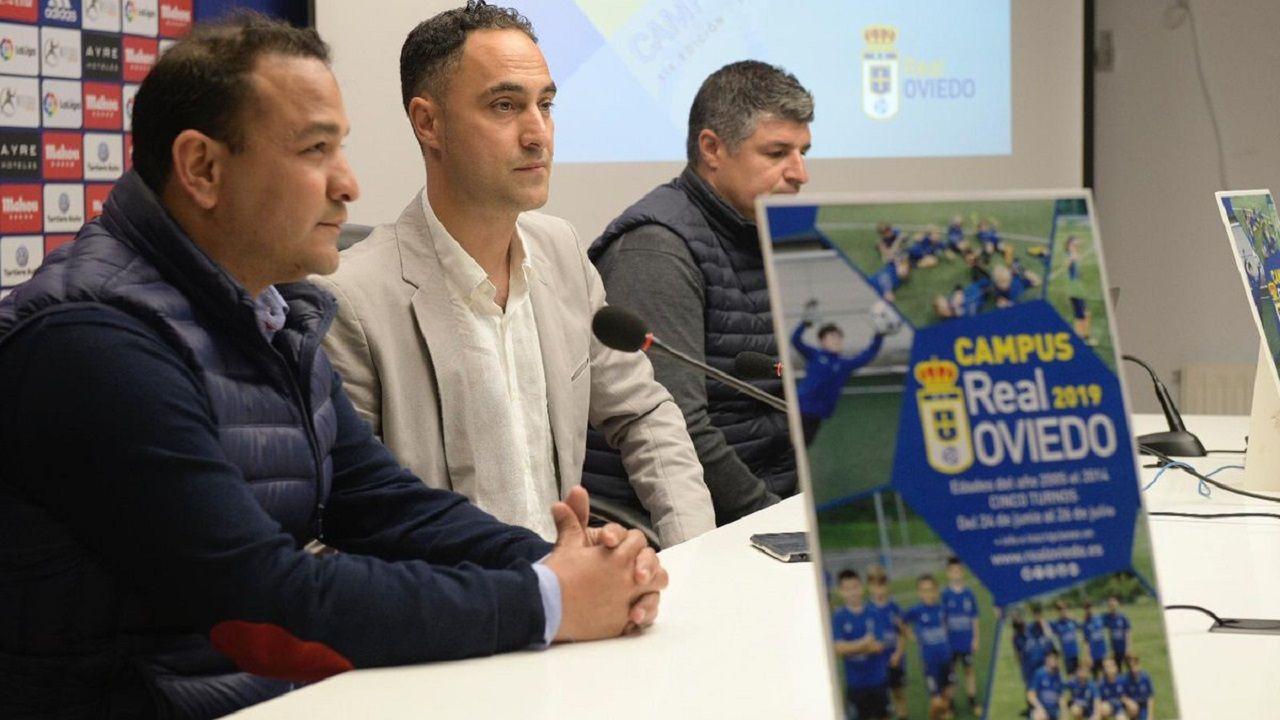 Gol Javi Cueto Izarra Vetusta.De izquierda a derecha: Eduardo Rergis, Gabriel Piquero y César Martín