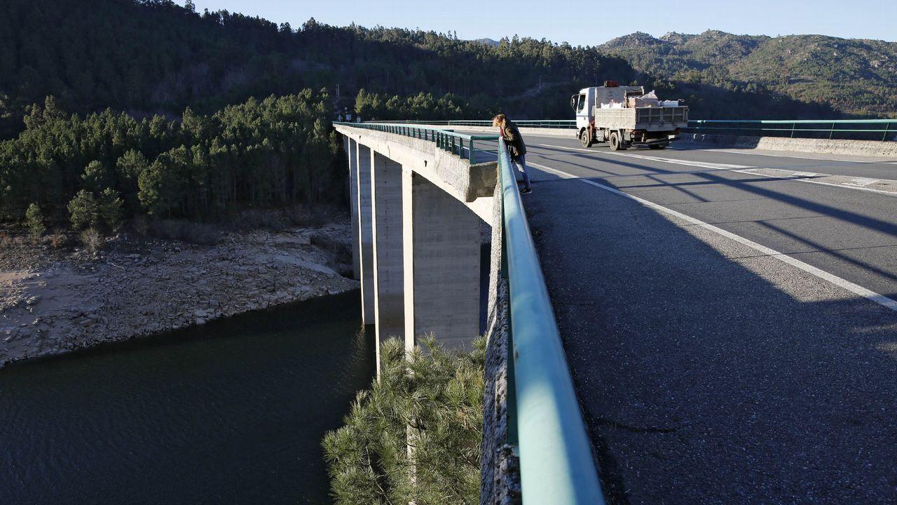 Puente sobre el embalse de Lindoso