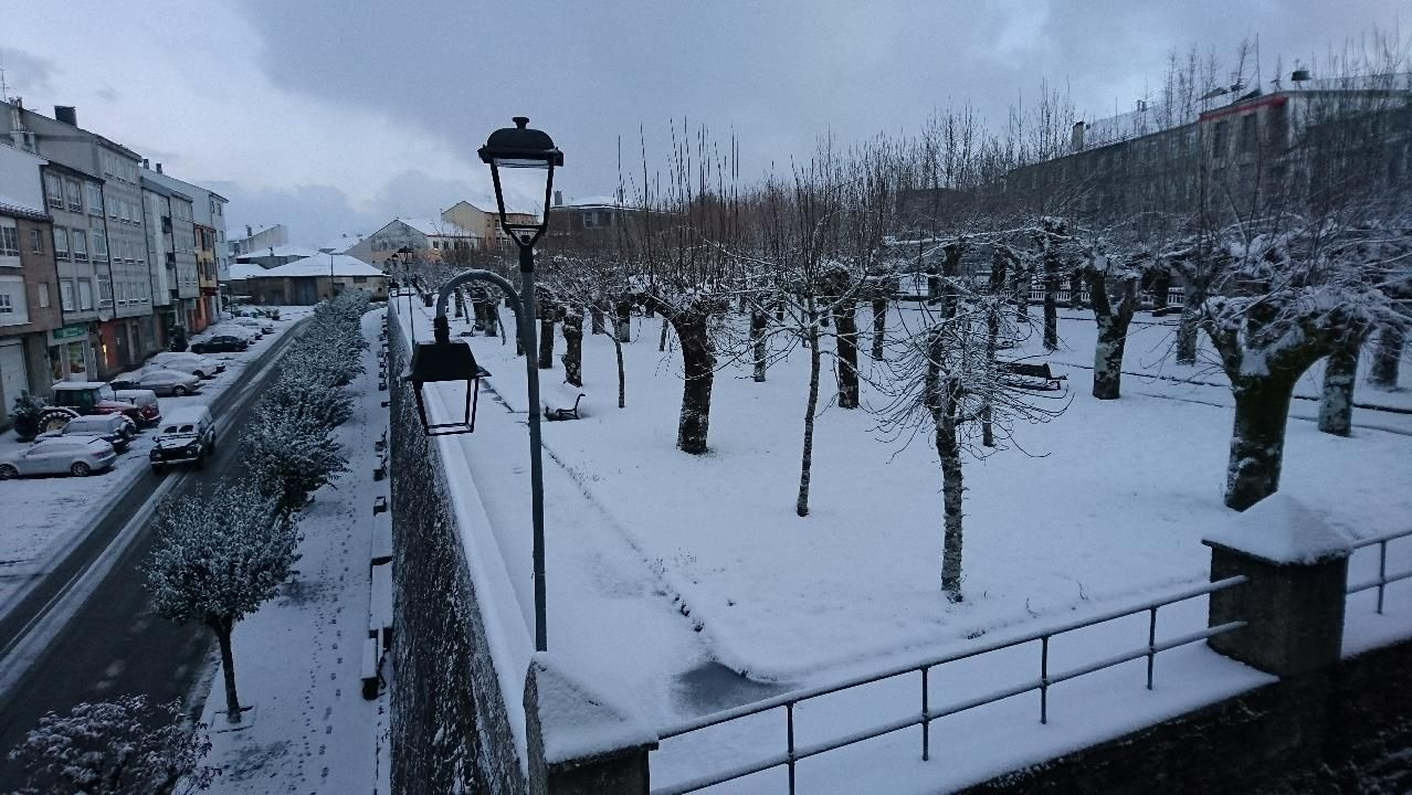 A Fonsagrada amaneció nevada