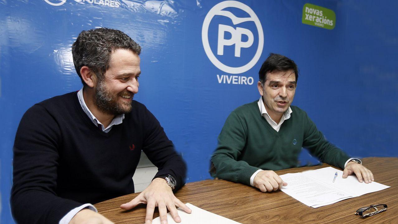 Olivera es felicitado, en enero del 2015, por el entonces ministro Fernández Díaz al asumir el cargo de director del Centro de Inteligencia contra el Terrorismo y el Crimen Organizado