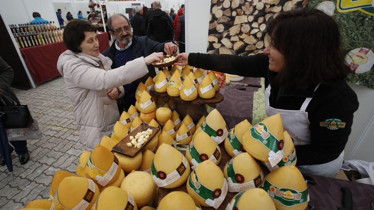 Elambiente en la feria del queso San Simón da Costa de Vilalba, de menos a más