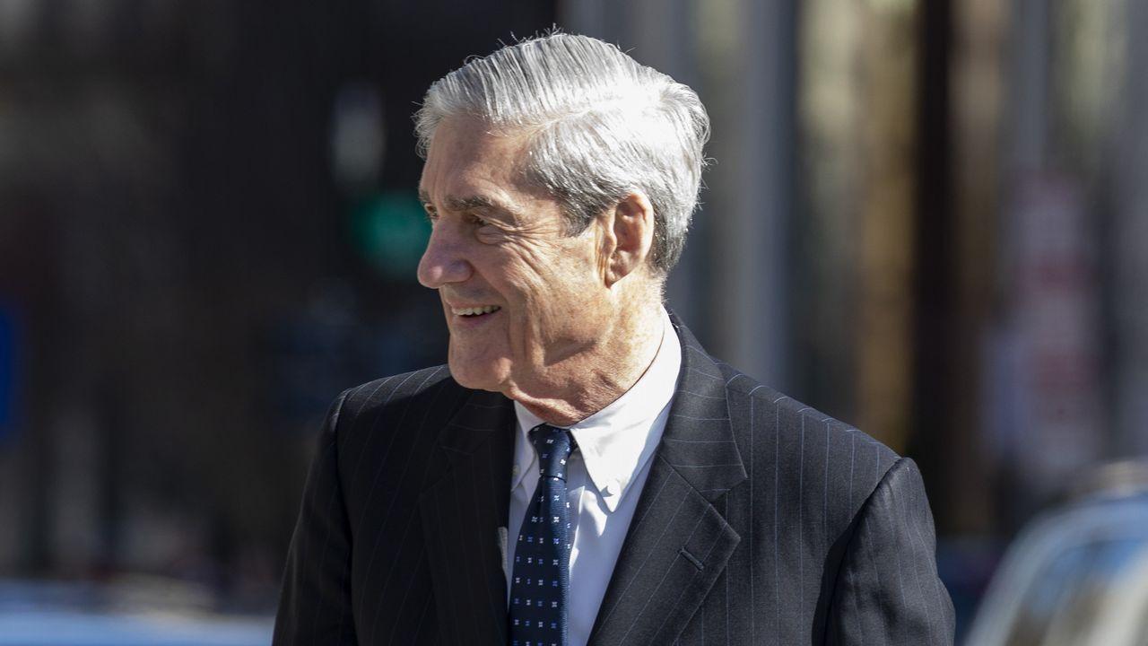 Así se vivió el apagón en el mundo.El fiscal especial Robert Mueller, a su salida este domingo de un oficio religioso en Washington