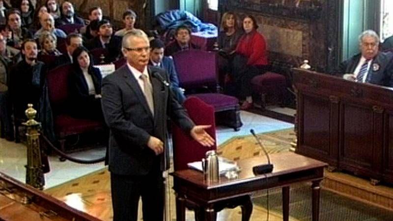 Protestas en el homenaje a Fraga.Muestras de apoyo a Baltasar Garzón ante el Tribunal Supremo