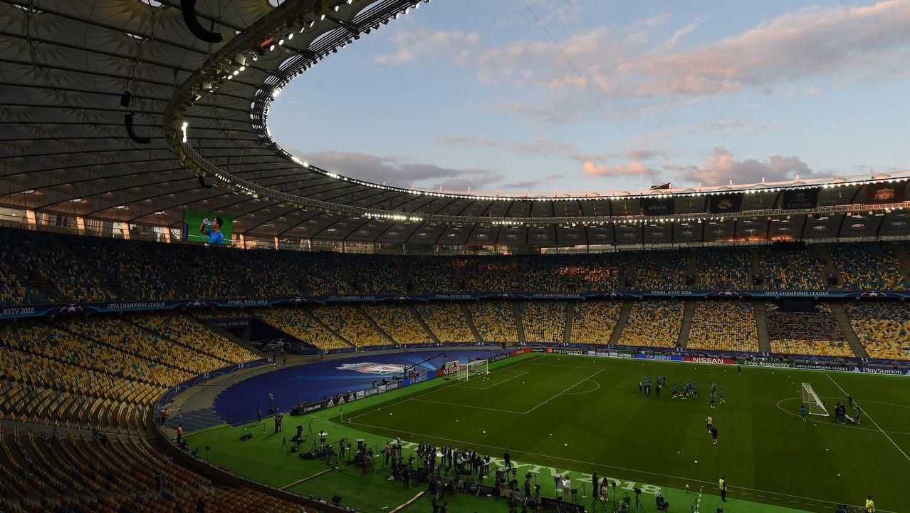 La final de Champions en imágenes.Los jugadores del Madrid se trasladaron a la Cibeles en autocar descapotable