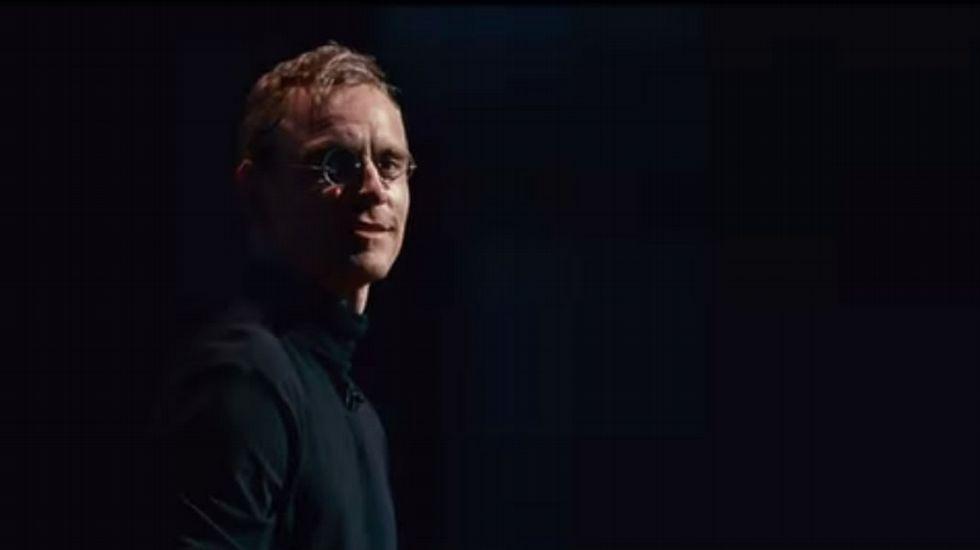 Michael Fassbender es Steve Jobs en la nueva película sobre el creador de Apple.Imagen de archivo de un iPhone 6 Plus en una tienda de Tokio.