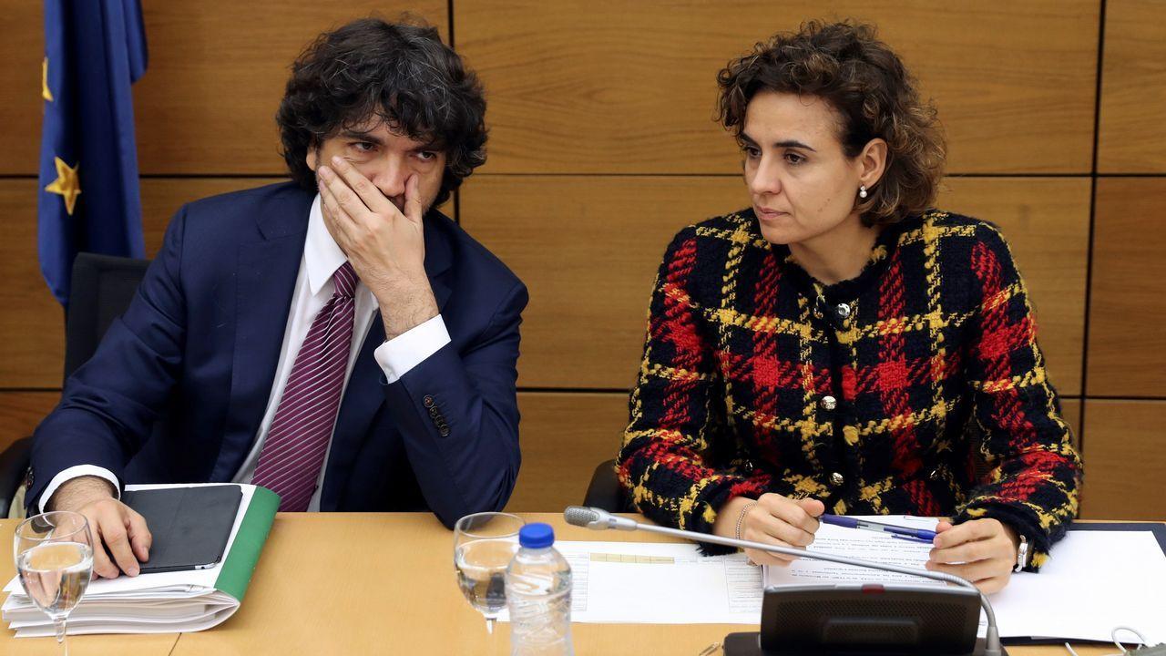 Miles de personas reclaman en Barcelona «seny» y un nuevo Govern.La ministra de Sanidad, Dolores Montserrat
