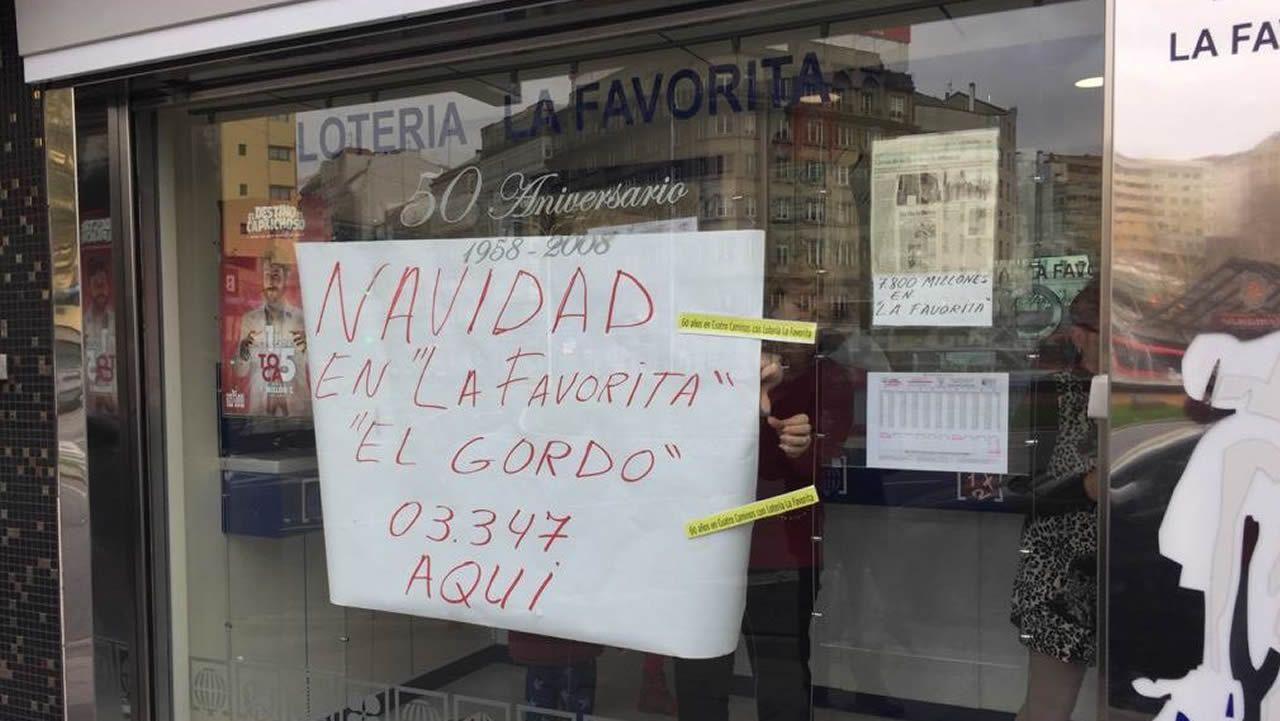 La Favorita, en A Coruña, ha repartido un decimo del Gordo por terminal. Mari García dice que no tiene ni idea de la identidad del agraciado.