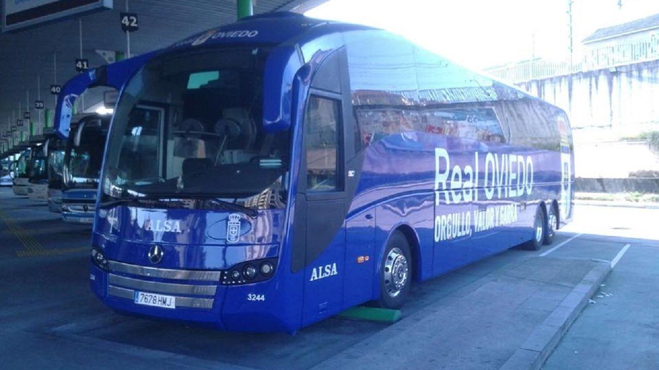 Autocar Real Oviedo APARO.La playa de San Lorenzo de Gijón