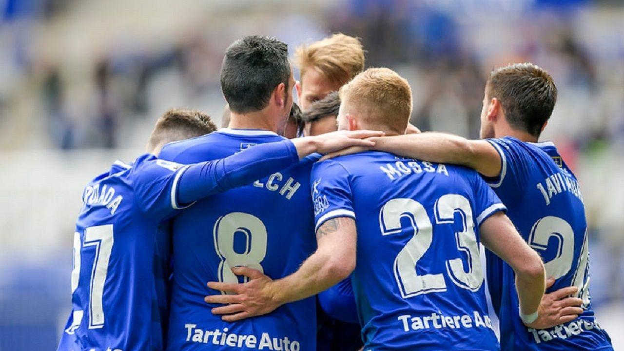 Saul Berjon Real Oviedo Nastic Carlos Tartiere.Los jugadores del Oviedo celebran el 1-0 al Nàstic