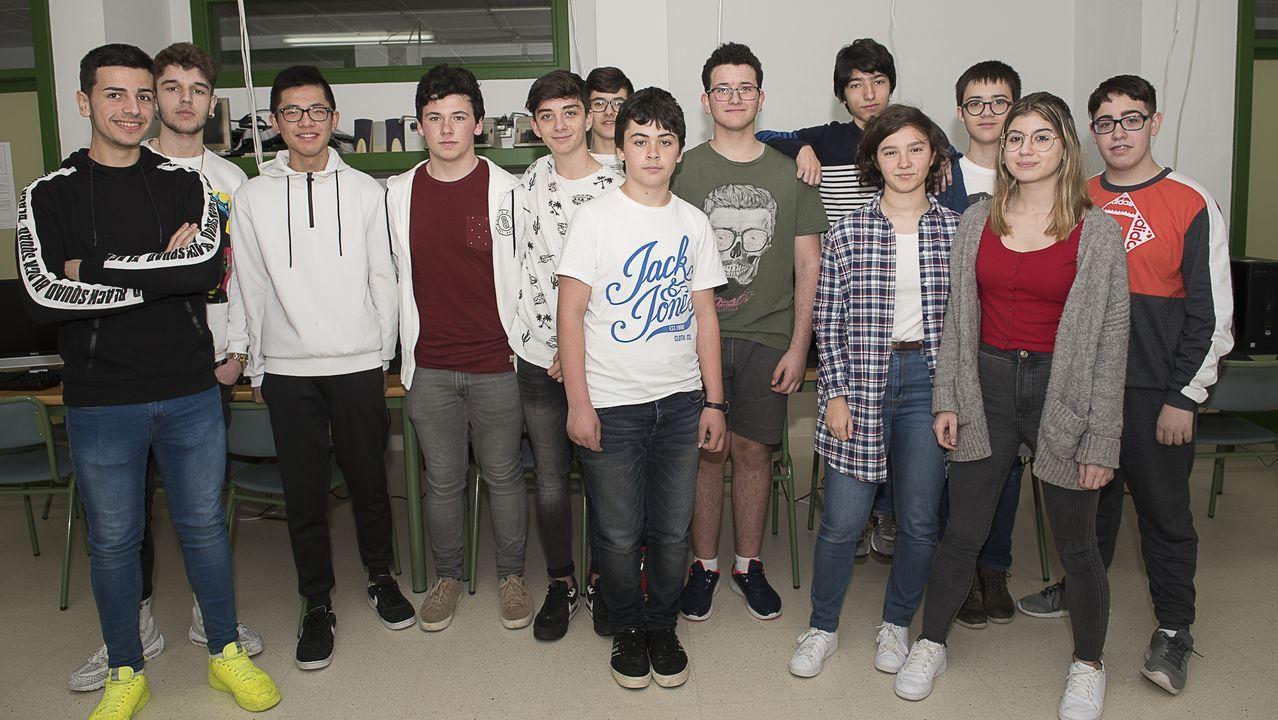 Alumnos del instituto Agra de Raíces de Cee (A Coruña) que participan en la liga IESports