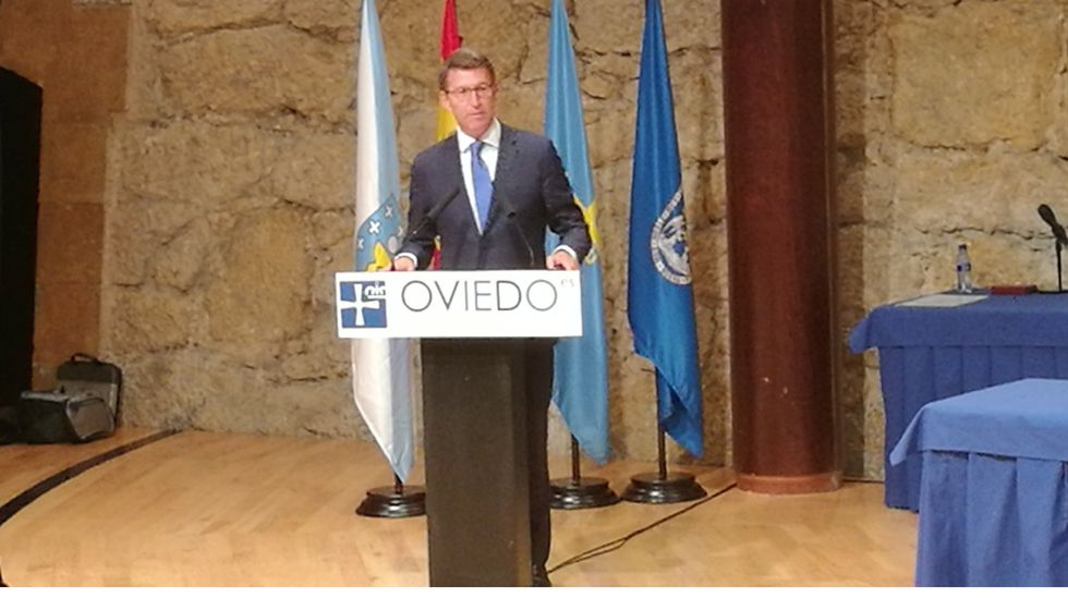 Feijóo durante su discurso en el Auditorio de Oviedo.