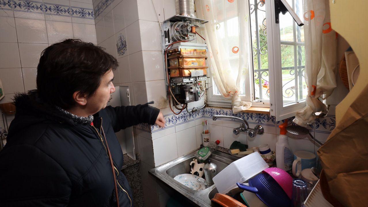 Un rayo entra por la antena de una casa en Mondoñedo provocando daños