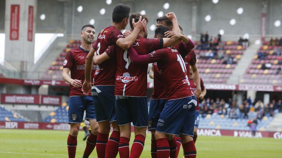 El Pontevedra CF vence 3-1al Rápido