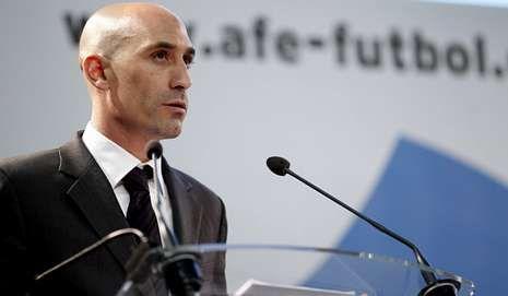 Villar, suspendido provisionalmente un año como presidente de la federación.Luis Rubiales, presidente de la AFE.