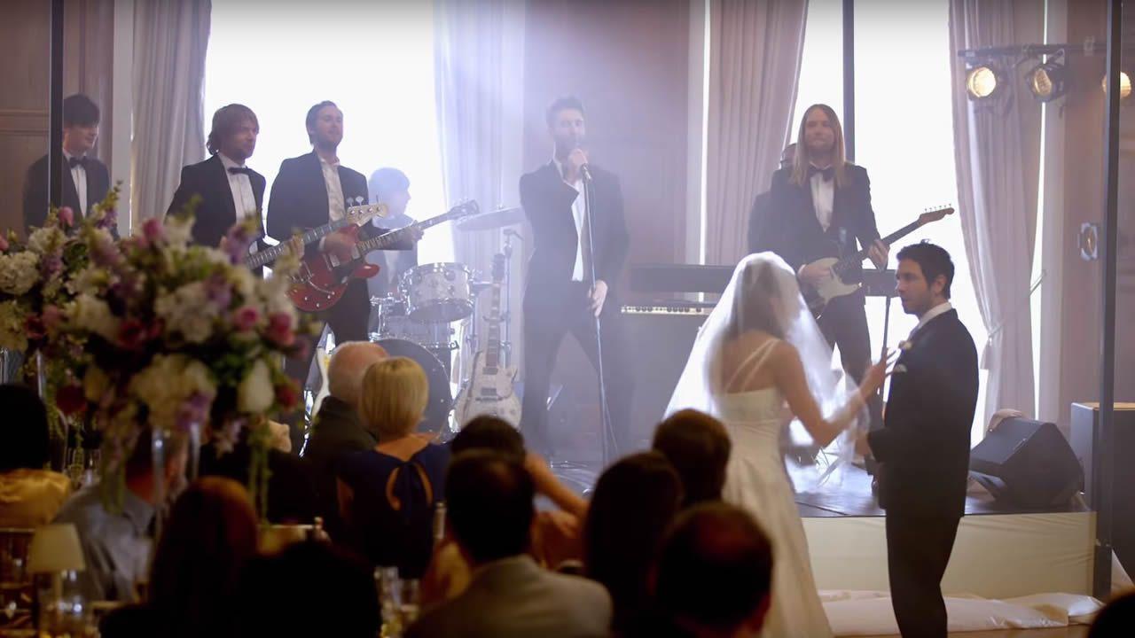 La Fiscalía se querellará contra Shakira por evasión fiscal.La banda californiana Maroon 5 en la boda de una pareja de fans