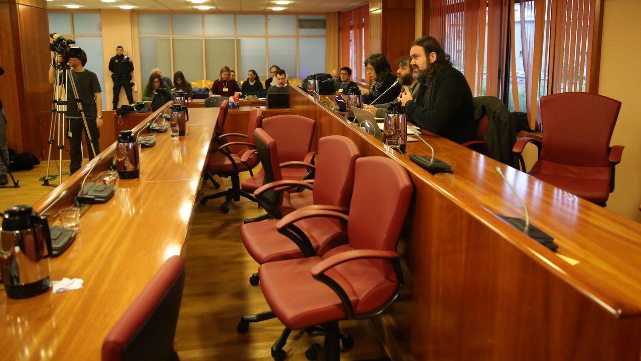 El PP abandona el pleno de Vigo tras el desplante de Caballero.El consejero de Empleo, Turismo e Industria, Isaac Pola
